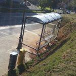 KALE: herriguneko autobus geltoki berrian lokatza pilatzen da