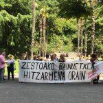 Bainuetxeko  langileek  protesta  egin  dute  gaur  ostirala